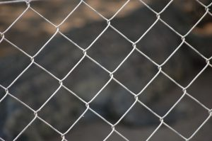 fence-1003664_640